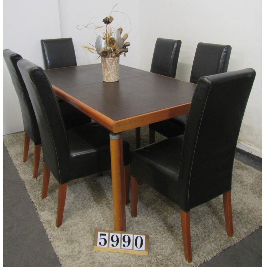 A5990  Extending table and 6 chairs.