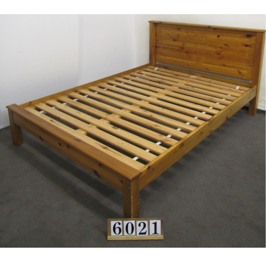 Aw6021  Double 4ft6 bed frame.